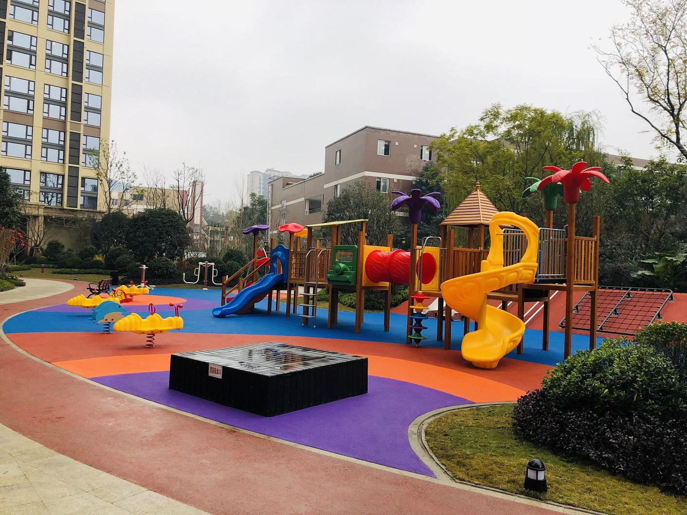 保利学府城儿童游乐场地